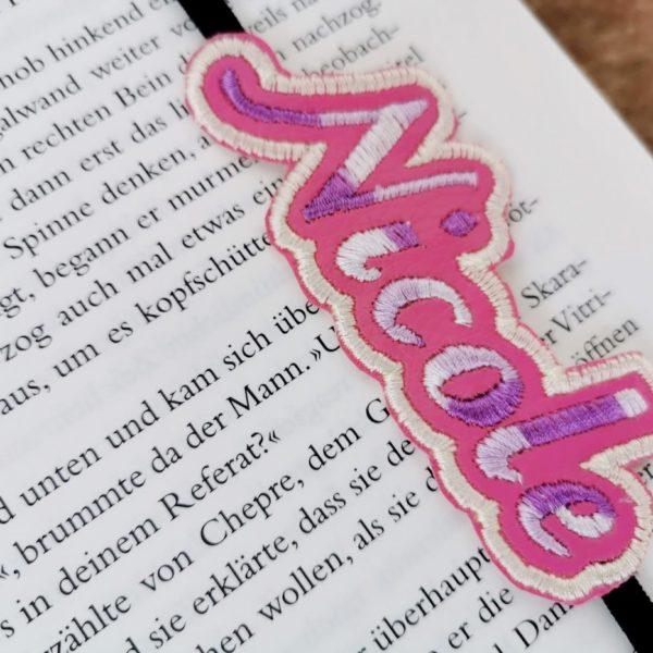 Lesezeichen mit Name eingestickt als Wolke - Unikat handmade