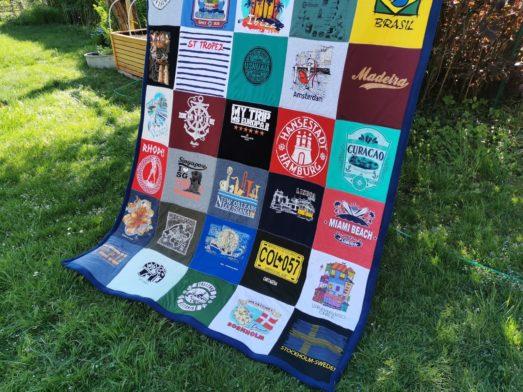 DECKE aus T-Shirt Quilts Souvenirs - personalisiert aus eigenen T-Shirts, Erinnerungsdecke