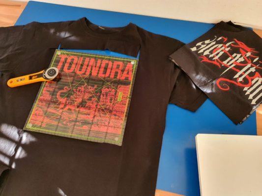 Band T-Shirts werden zur Erinnungsdecke, Memorydecke als Patchworkdecke genäht