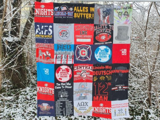 T-Shirtdecke aus Erinnerungen, als sie Austauschschülerin in USA war.