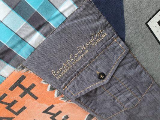 besondere Details, wie hier die Brusttasche des Lieblingshemdes bekommt seinen besonderen Platz