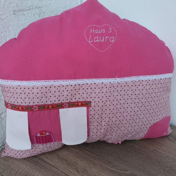Nestchen Kissen für Bettumrandung in Form eines großen Haus