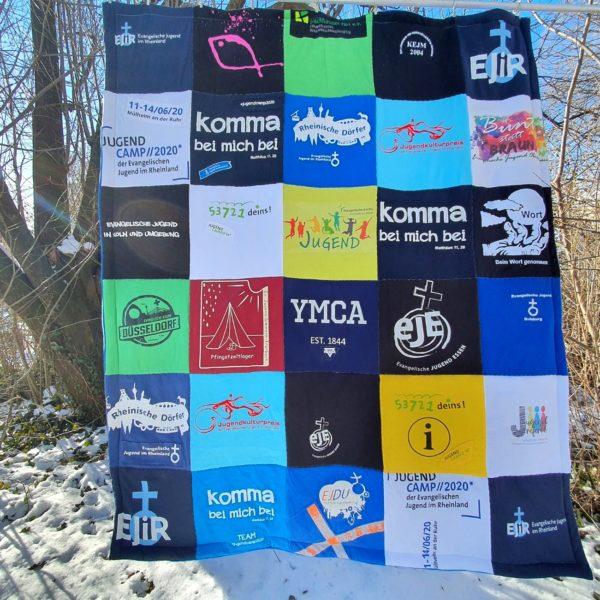 T-Shirtdecke aus T-Shirts von Verbänden und Sektion der Evangelischen Jugend im Rheinland
