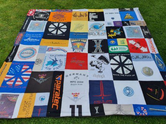 XXL T-Shirt Decke als Tagesdecke 2 x 2 m